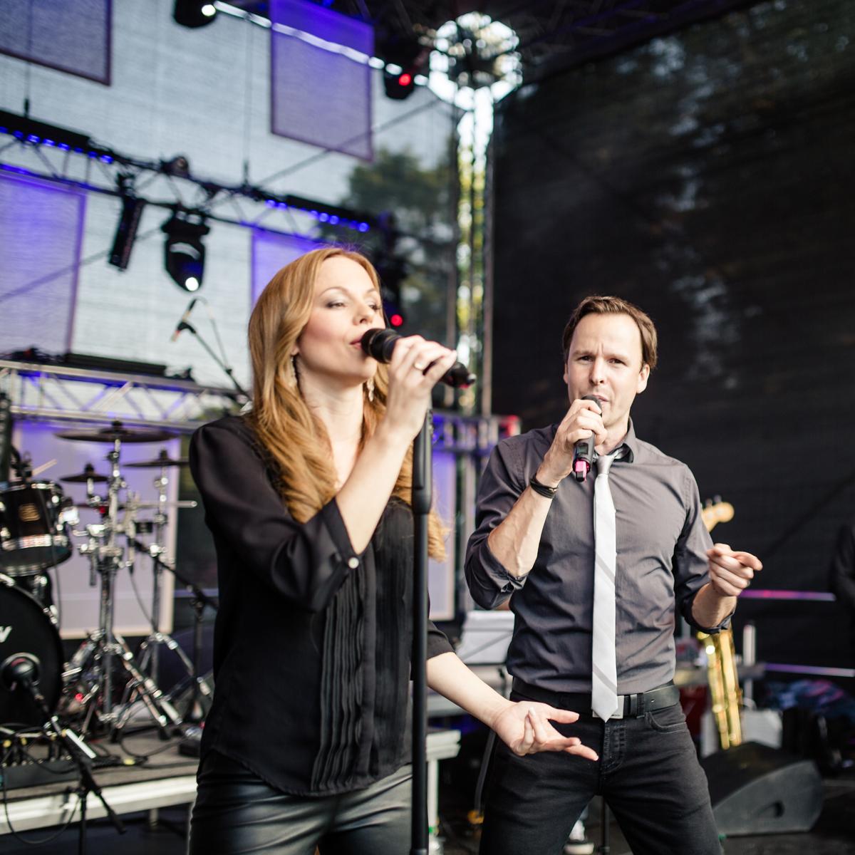 Die Sängerin Dorothea Winter und Sänger Christian Wolf